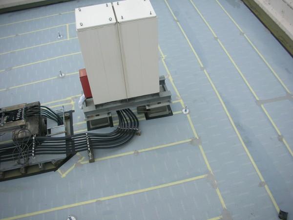 通気暖衝シート機械固定工法
