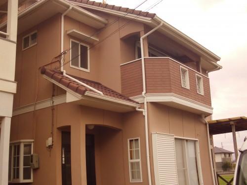 13年前に当店で外壁塗装を行った松前町の住宅です。